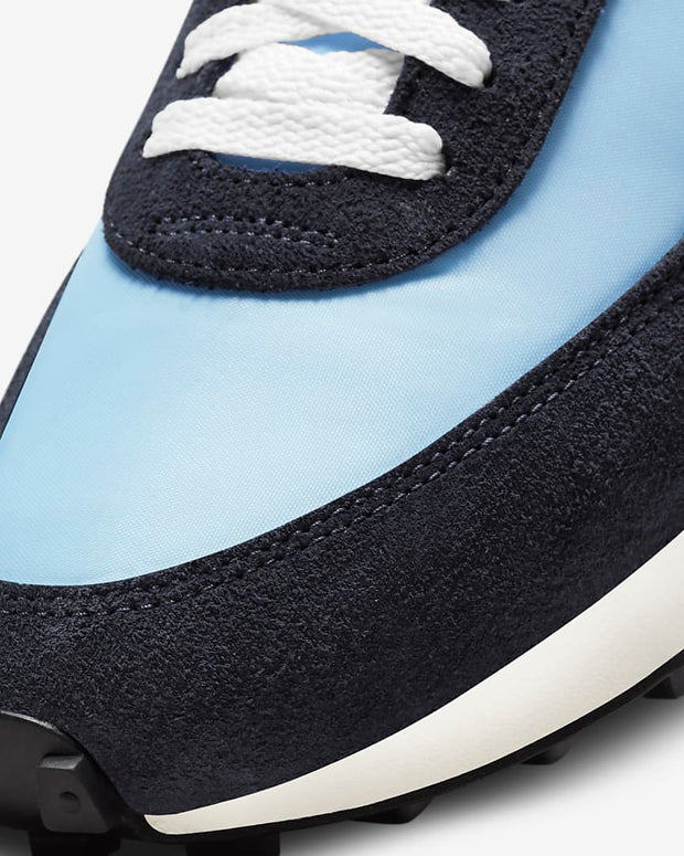 nike_daybreak_light armoury_detailed front view