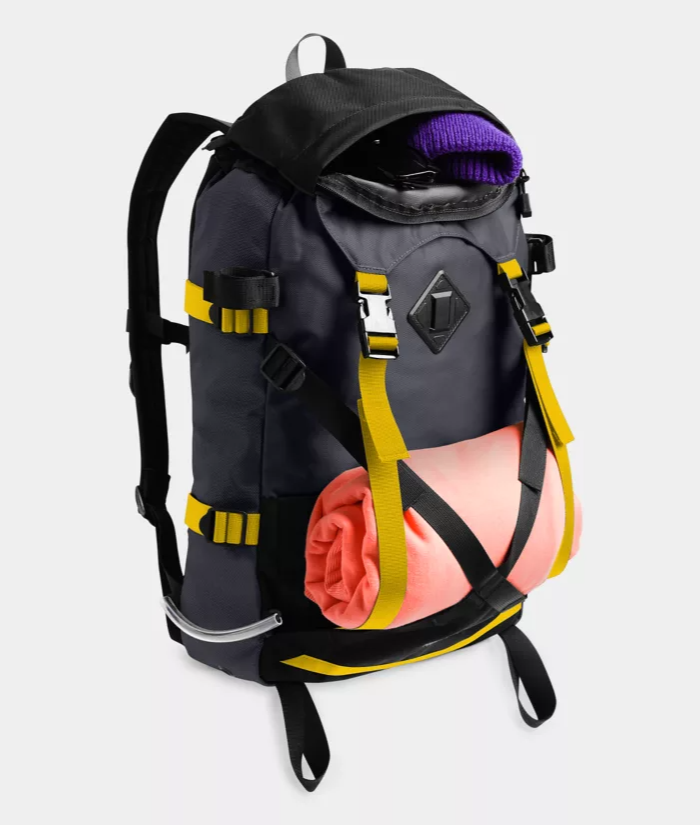 TNF_steep tech pack_other front view