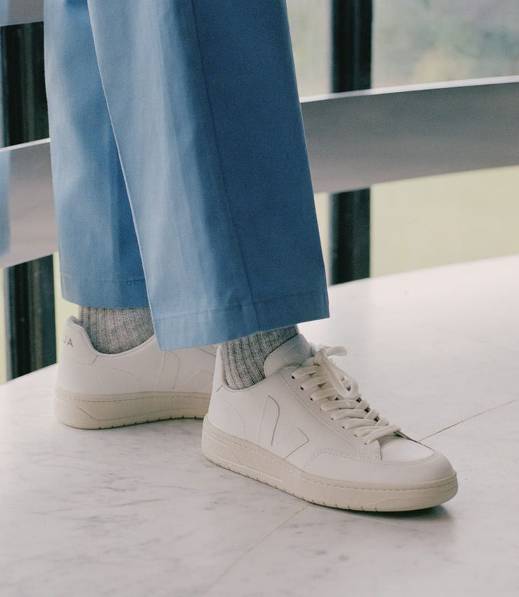 VEJA sneakers_V12 leather white_on feet view