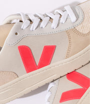 VEJA sneakers_V10 suede natural rose_detailed view