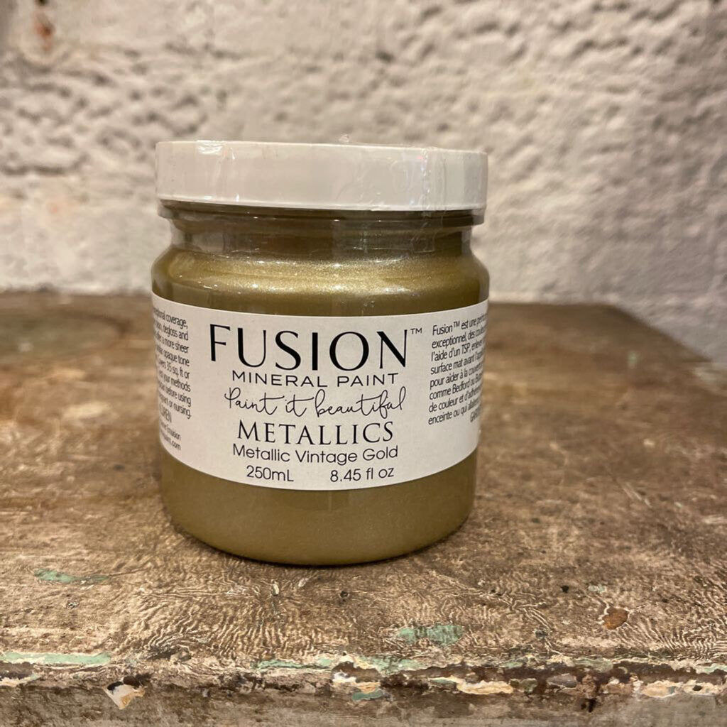 FUSION MINERAL PAINT. VINTAGE GOLD