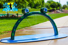 Load image into Gallery viewer, Mini Frog Arch Water Play Features