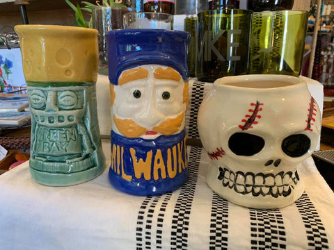 Mugs & Steins.  Green Bay Packers, Milwaukee Brewers and Baseball Guy!