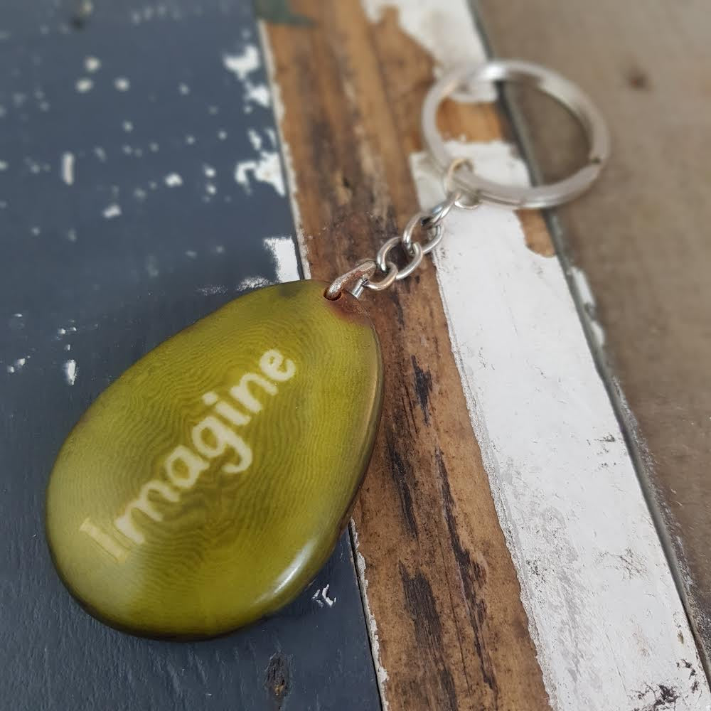 Imagine keychain Tagua. Fair Trade. Ecuador