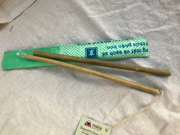 Bamboo fair trade straws with cleaner and case