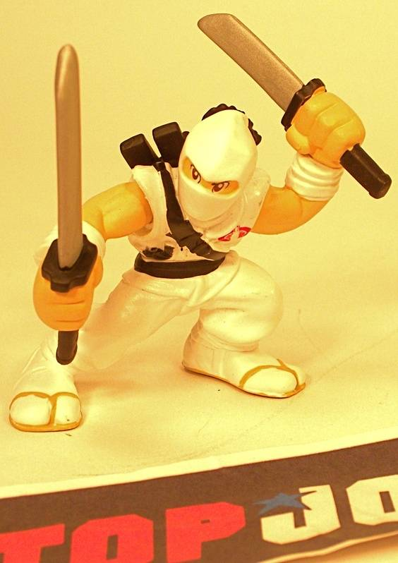 2009 COMBAT HEROES G.I. JOE COBRA STORM SHADOW V1 LOOSE