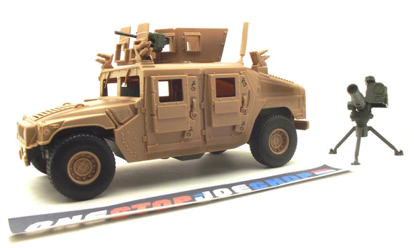 ELITE FORCE M1114 UP-ARMORED HUMVEE 3 3/4