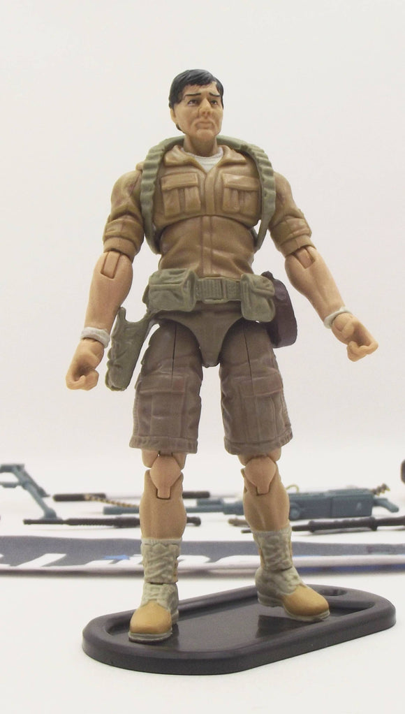 2013 RETALIATION G.I. JOE KWINN V2 LOOSE 100% COMPLETE + FULL CARD