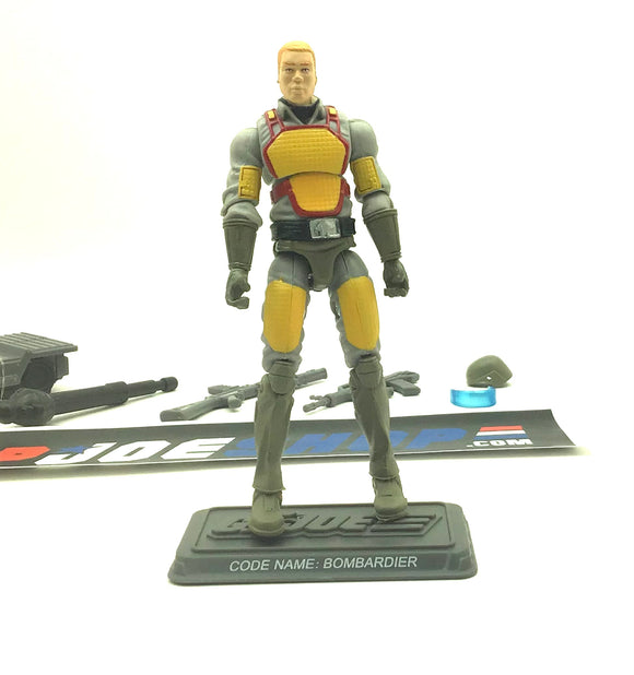 2014 FSS 2.0 G.I. JOE BOMBARDIER V1 GI JOE COLLECTORS CLUB EXCLUSIVE LOOSE 100% COMPLETE + FULL CARD (a)