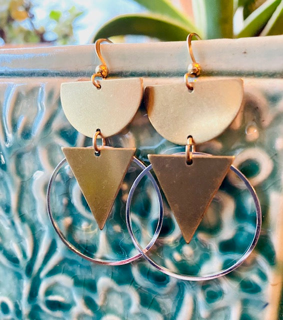 Mixed Metal Pronged Earrings