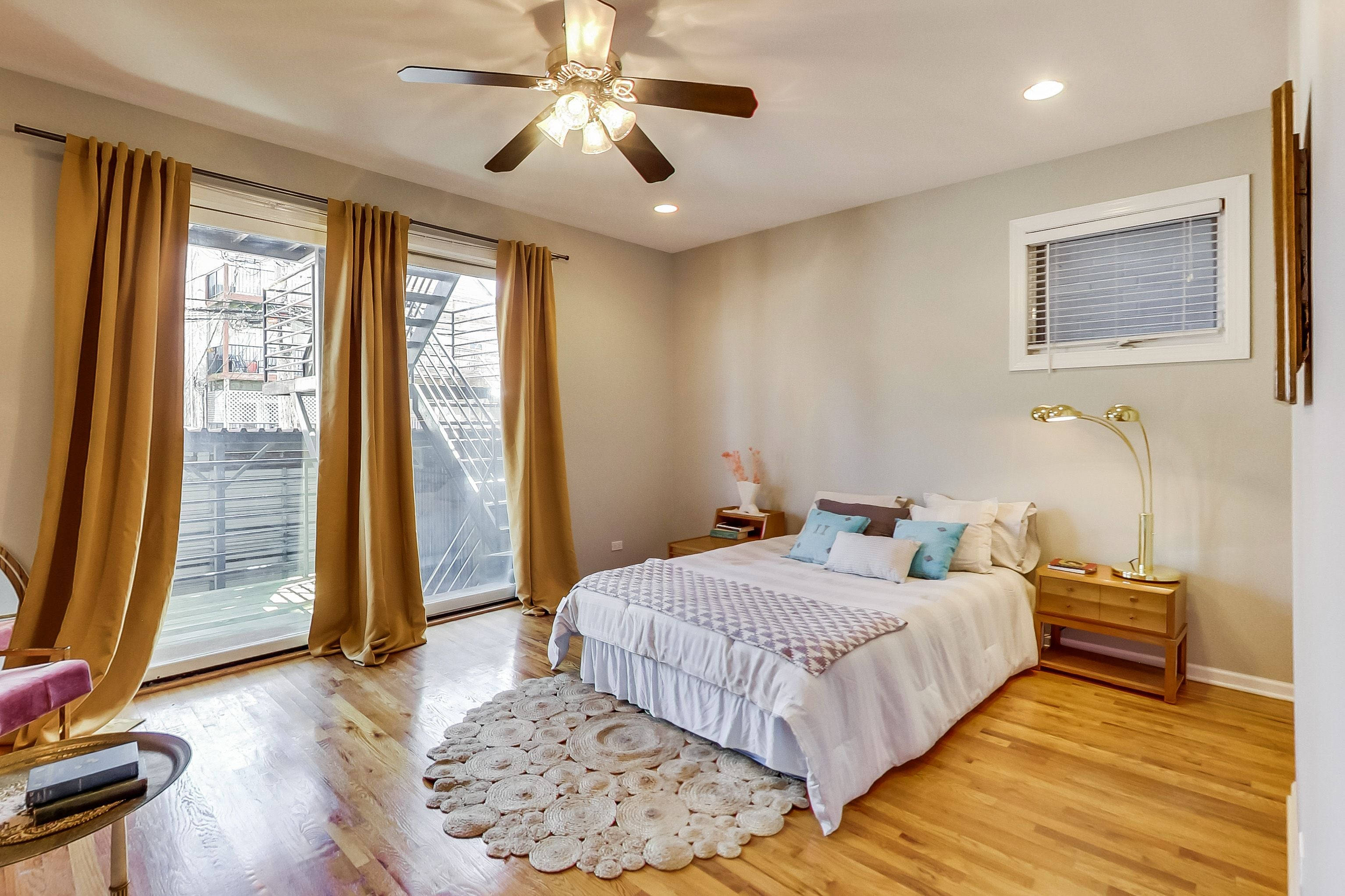 Located in West Town Chicago, Eskell staged this condominium for sale with family-friendly style.