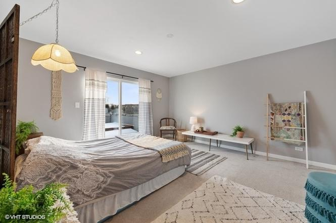 Eskell brought this Logan Square staging to life and celebrated the neighborhood's eclectic style.