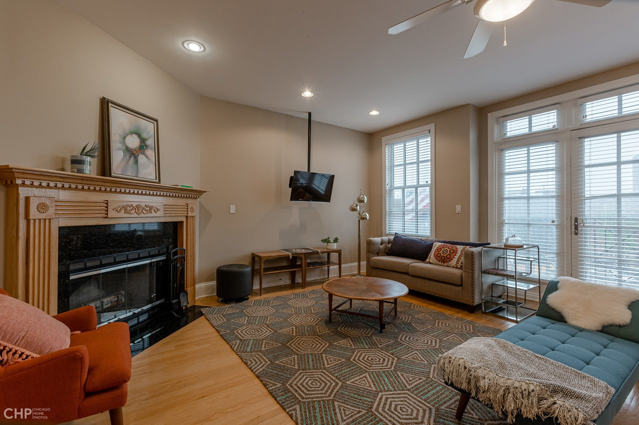 See how Eskell tailors each staging like these Lakeview apartments Chicago and more Lakeview properties.