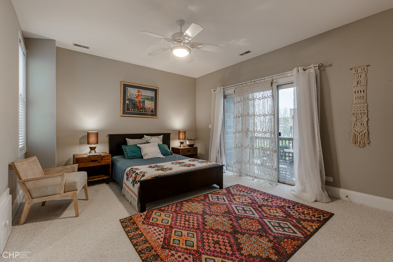 Located in Lakeview, these condos for sale in Lakeview Chicago needed fresh, fun design staging.