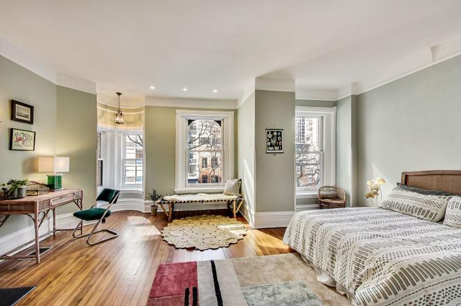 Contact Eskell for staging Gold Coast real estate and other historic homes for sale.