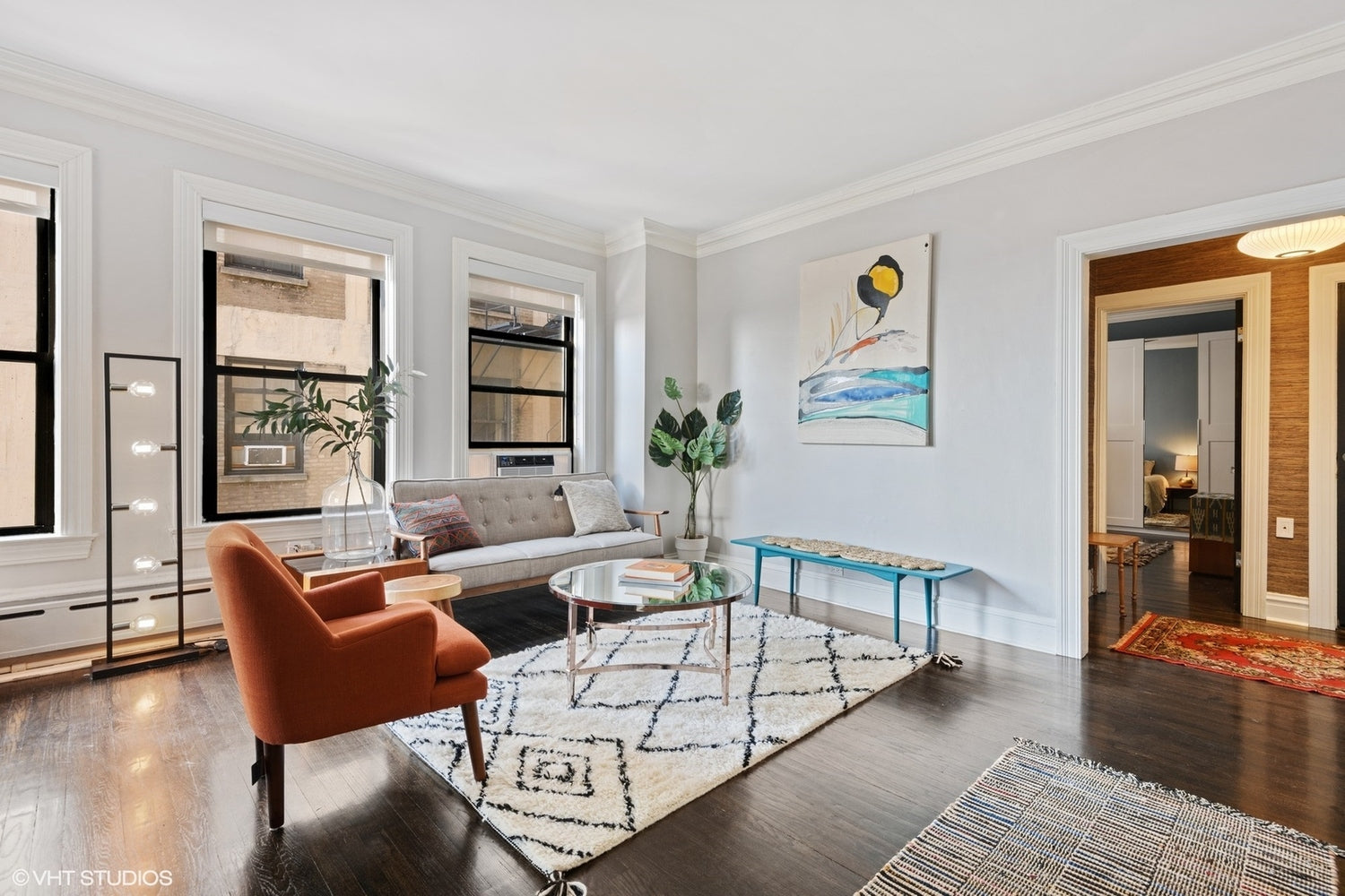 Eskell Staging Companies Chicago provides home staging for apartments for sale, Chicago lakefront properties and more.