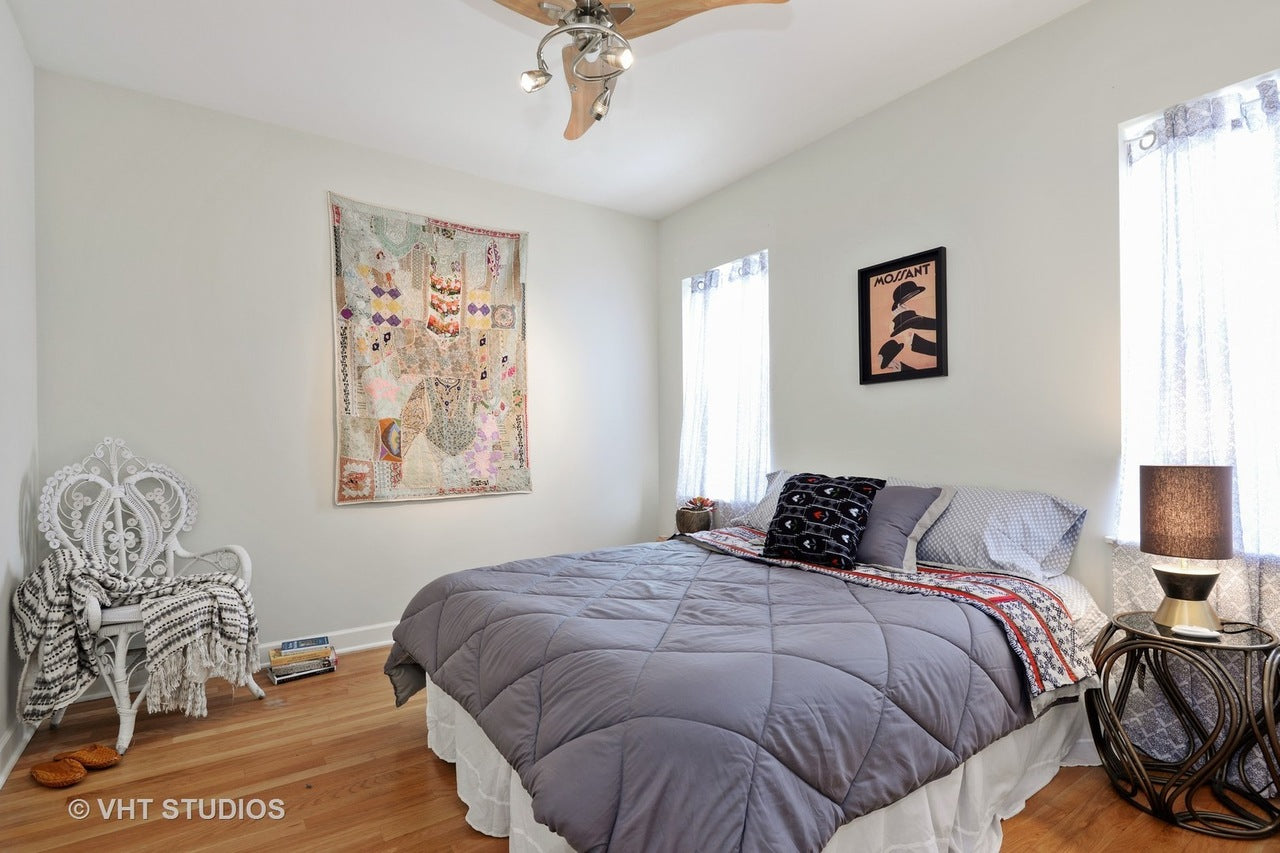 Eskell stages Edgewater apartments, Little India houses, and more north Chicago homes for sale.