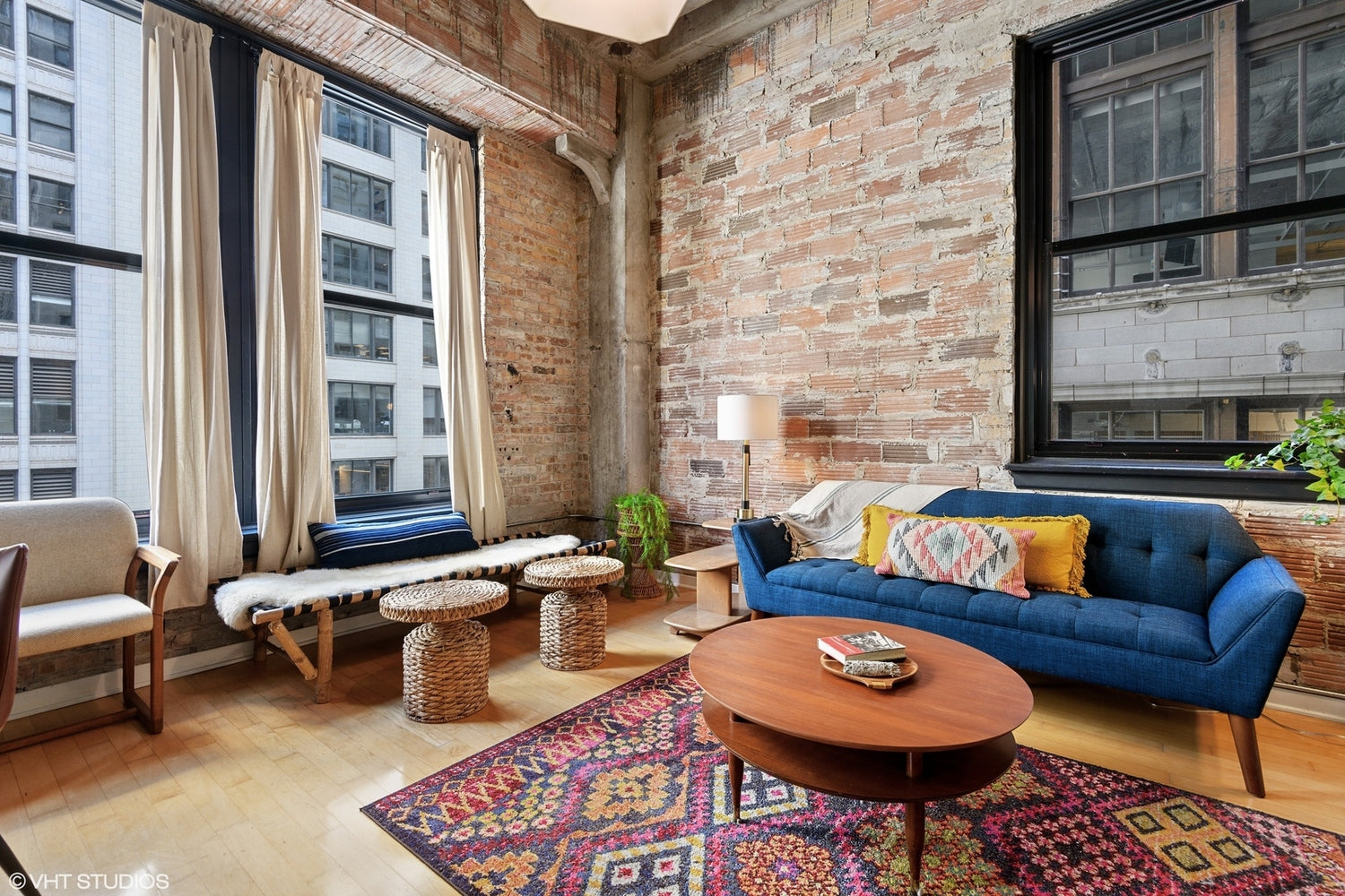 Eskell's real estate staging and home staging tips boost sales for properties in the Chicago real estate market.