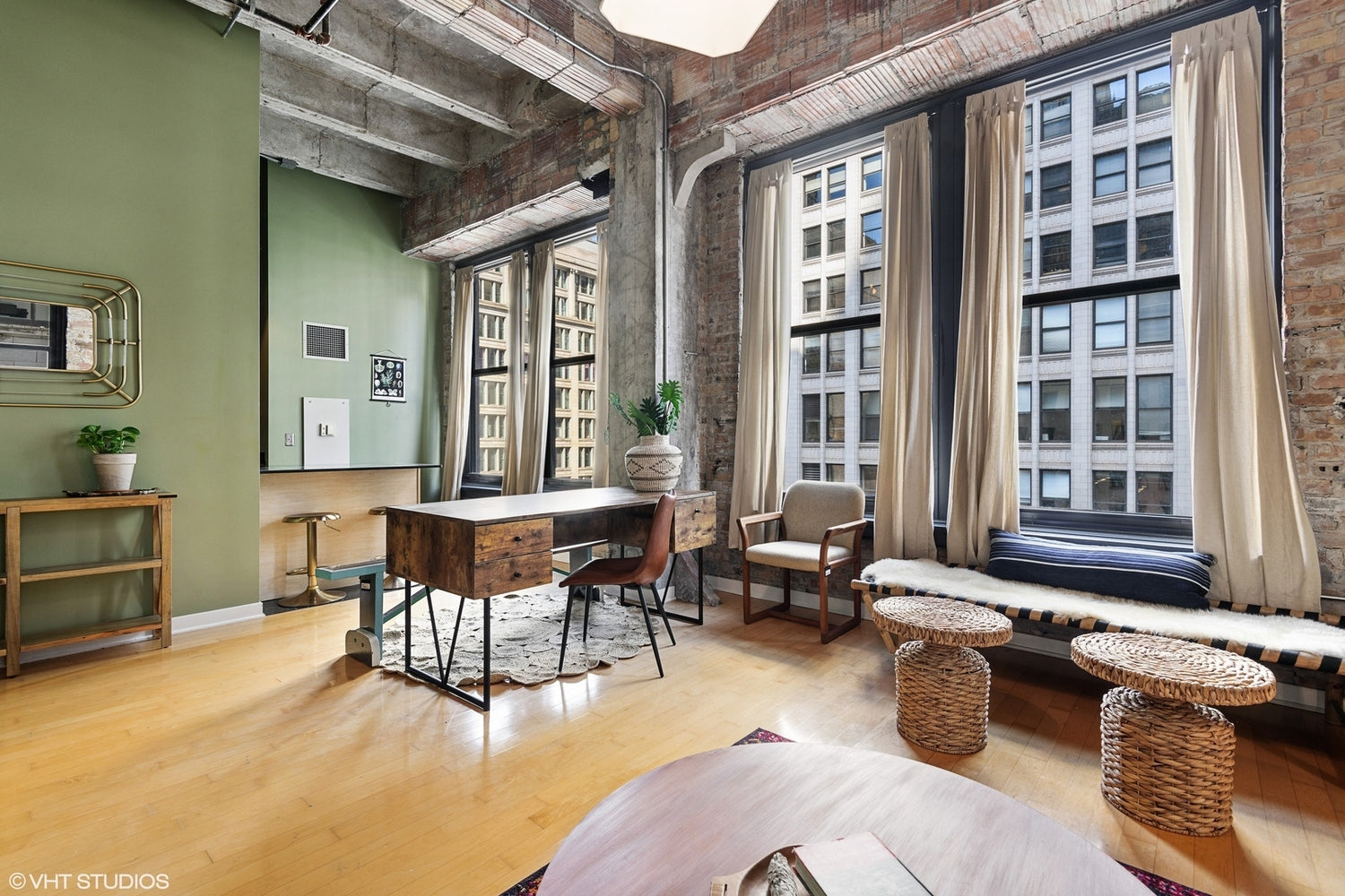Eskell has real estate staging tips for all properties in Chicago's real estate market and beyond.