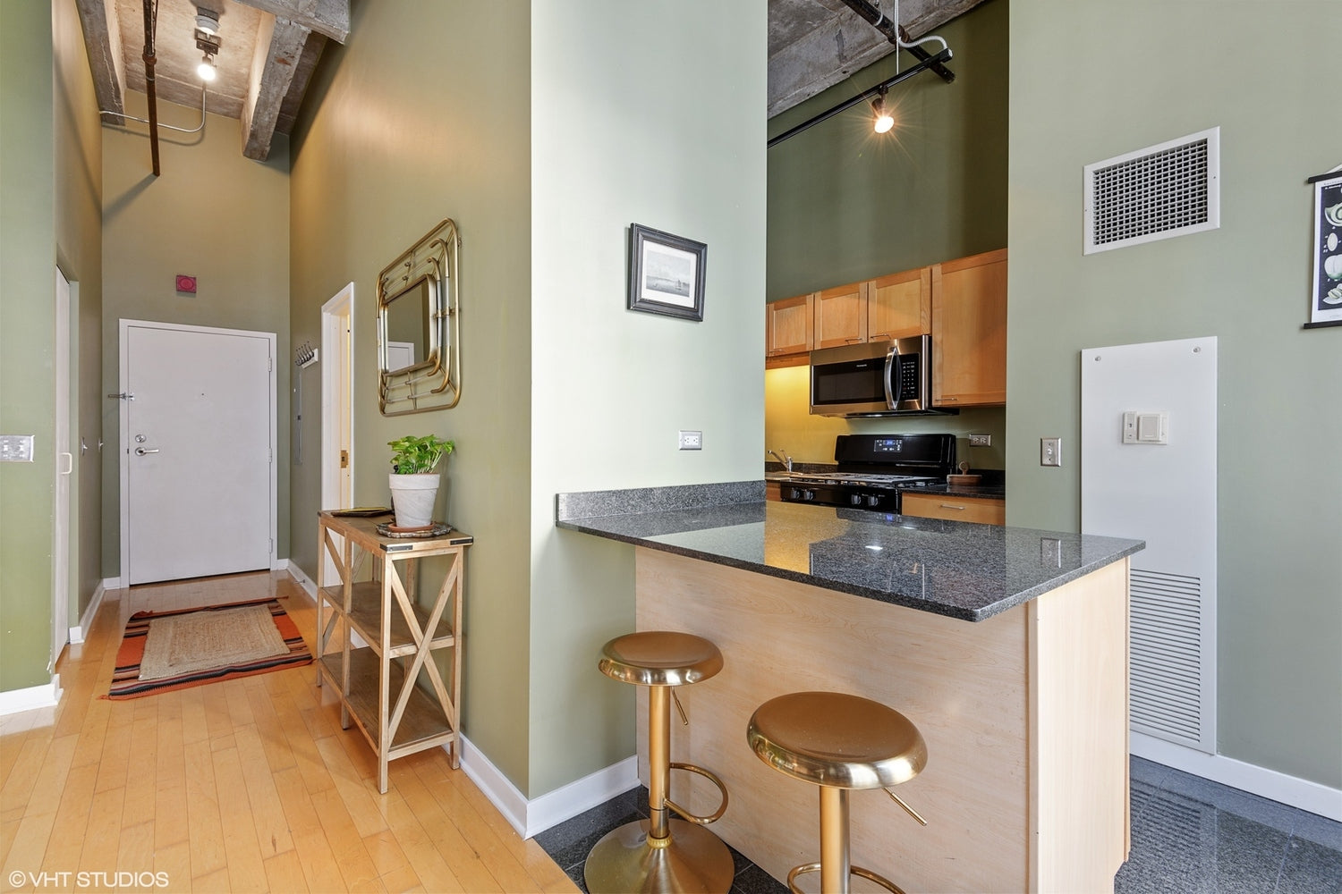 See more of Eskell's real estate staging and get home staging tips for the Chicago real estate market.