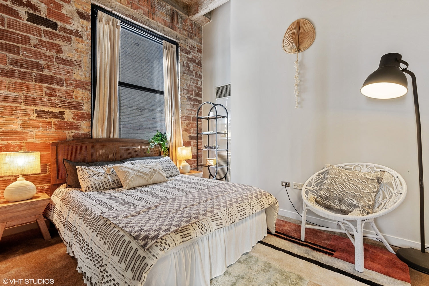 Eskell has home staging tips for all kinds of properties in the Chicago real estate market. See more real estate staging at Eskell.com.