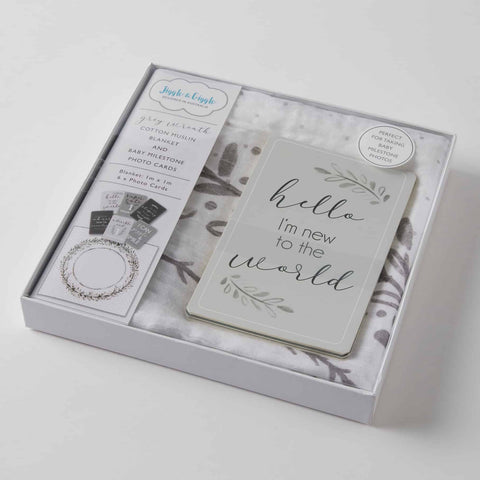 Grey Wreath Muslin Milestone Set