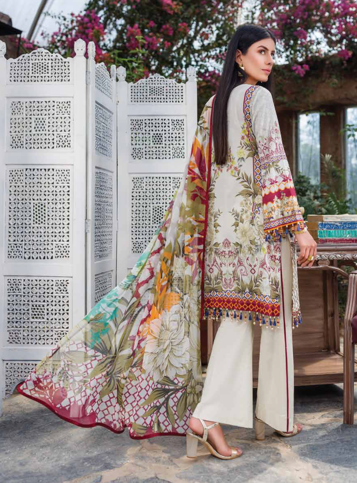 Daisy Kuch Khas Ladies Suit