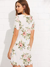 Load image into Gallery viewer, SHEIN Scalloped Edge Floral Dress
