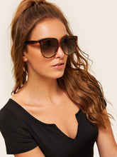 Load image into Gallery viewer, Tortoiseshell Pattern Flat Lens Sunglasses