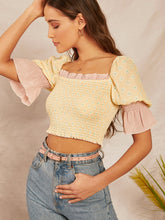 Load image into Gallery viewer, SHEIN Ruffle Cuff Shirred Floral Print Crop Top