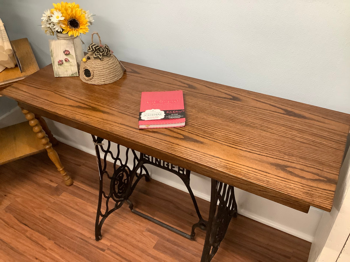 Singer sewing table console