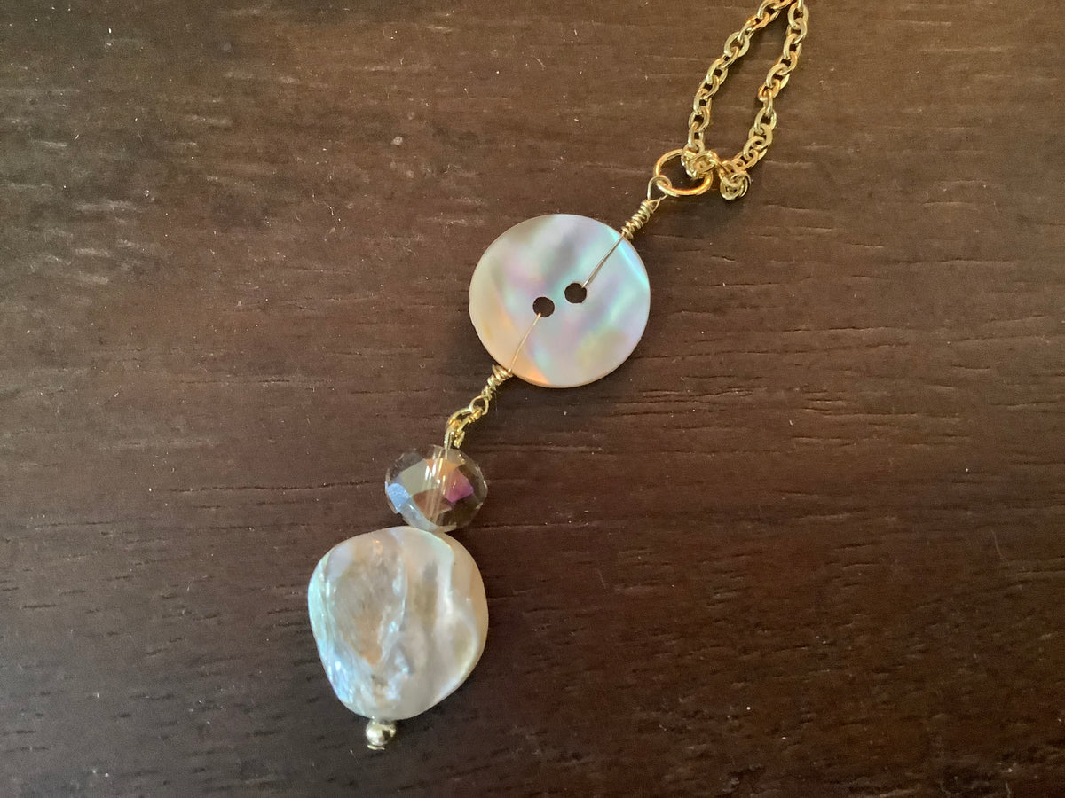 Mother pearl button and bead necklace