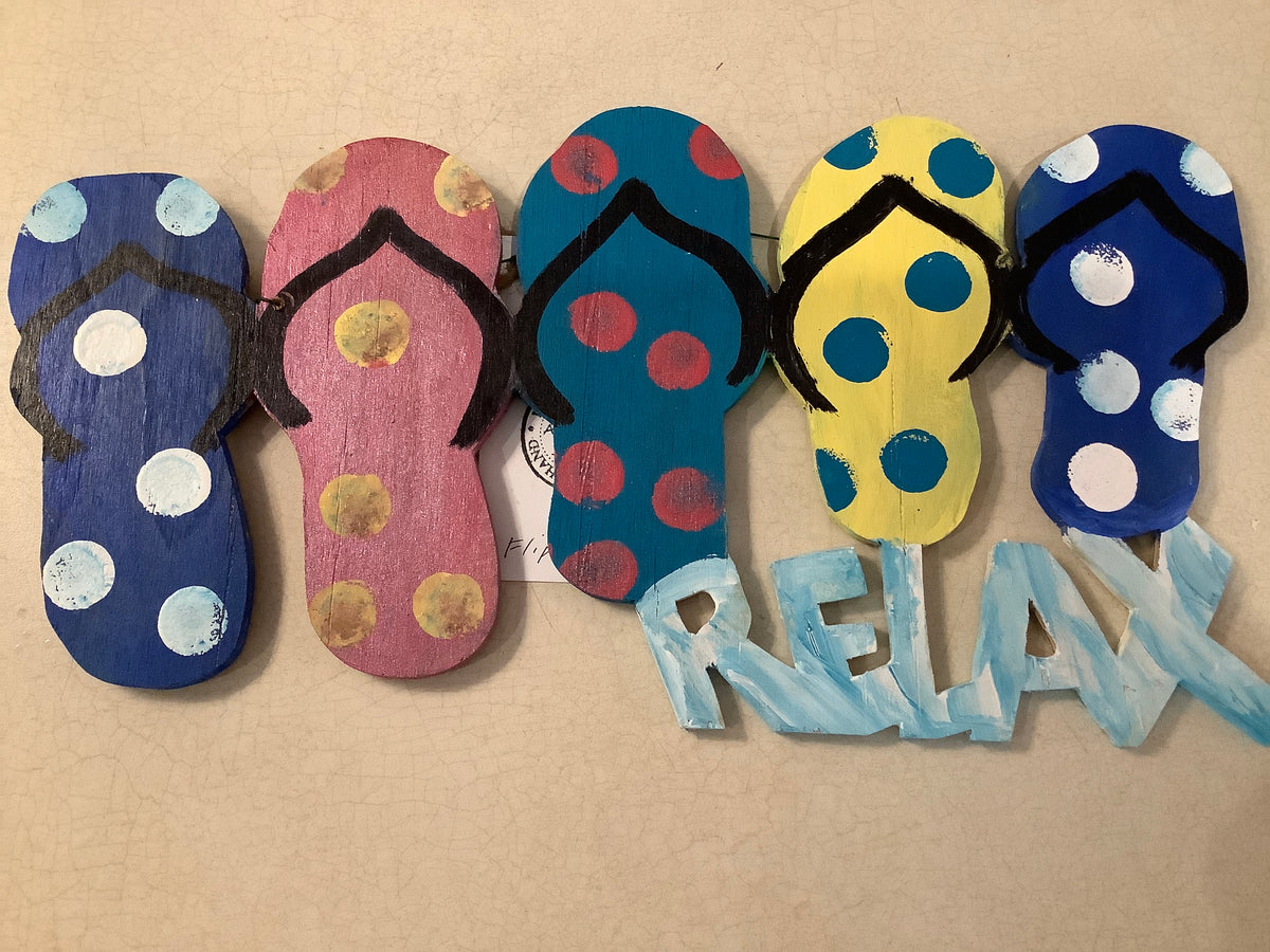 Wood painted relax flip flops