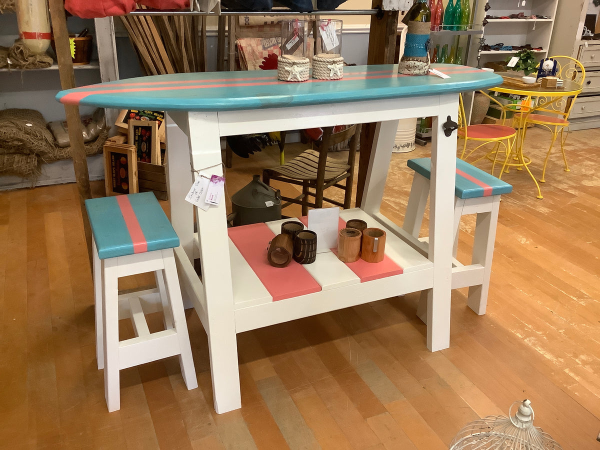 Surfboard table with 2 stools