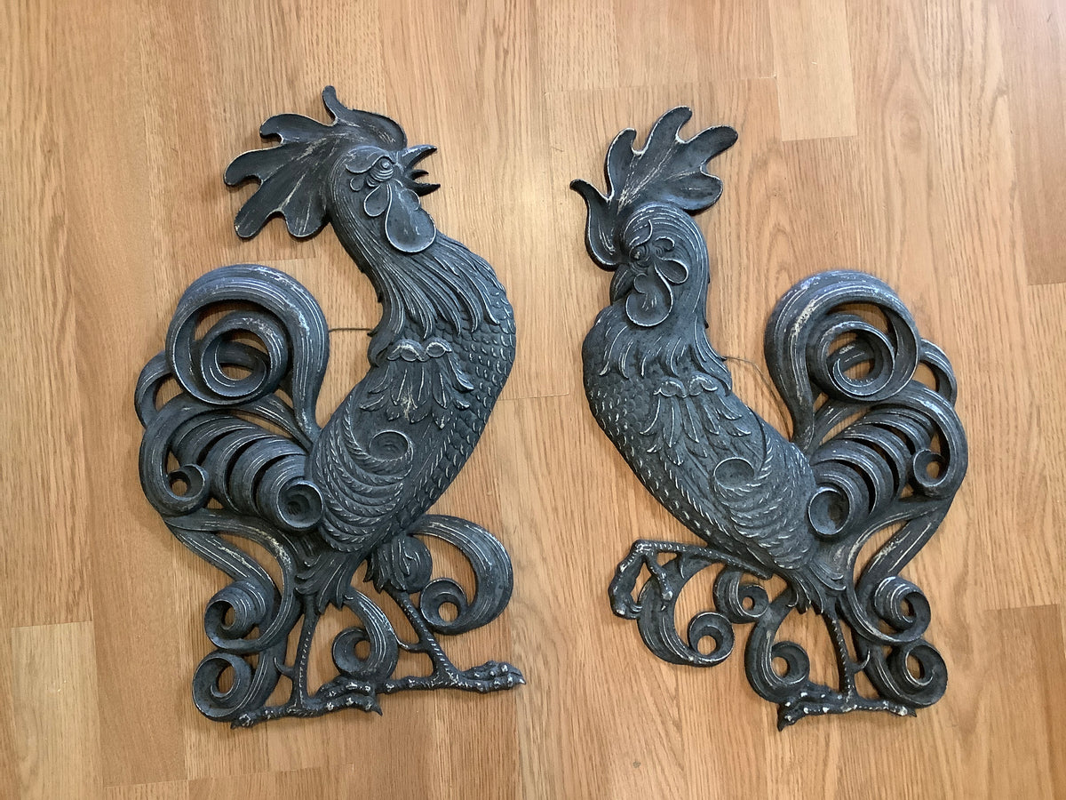 Metal rooster wall hanging