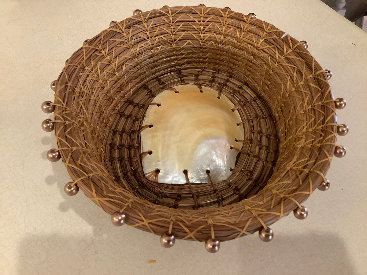Pine needle basket with pearlescent shell 2-51