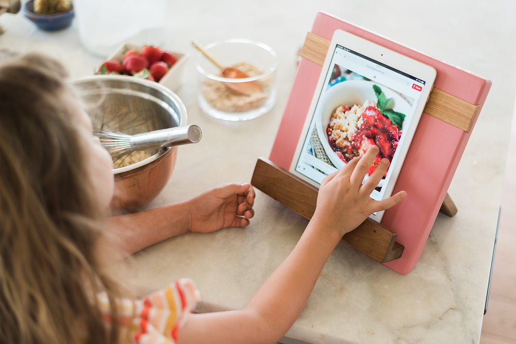etúHOME Pink Mod iPad / Cookbook Holder - Featured in Oprah Magazine - 8