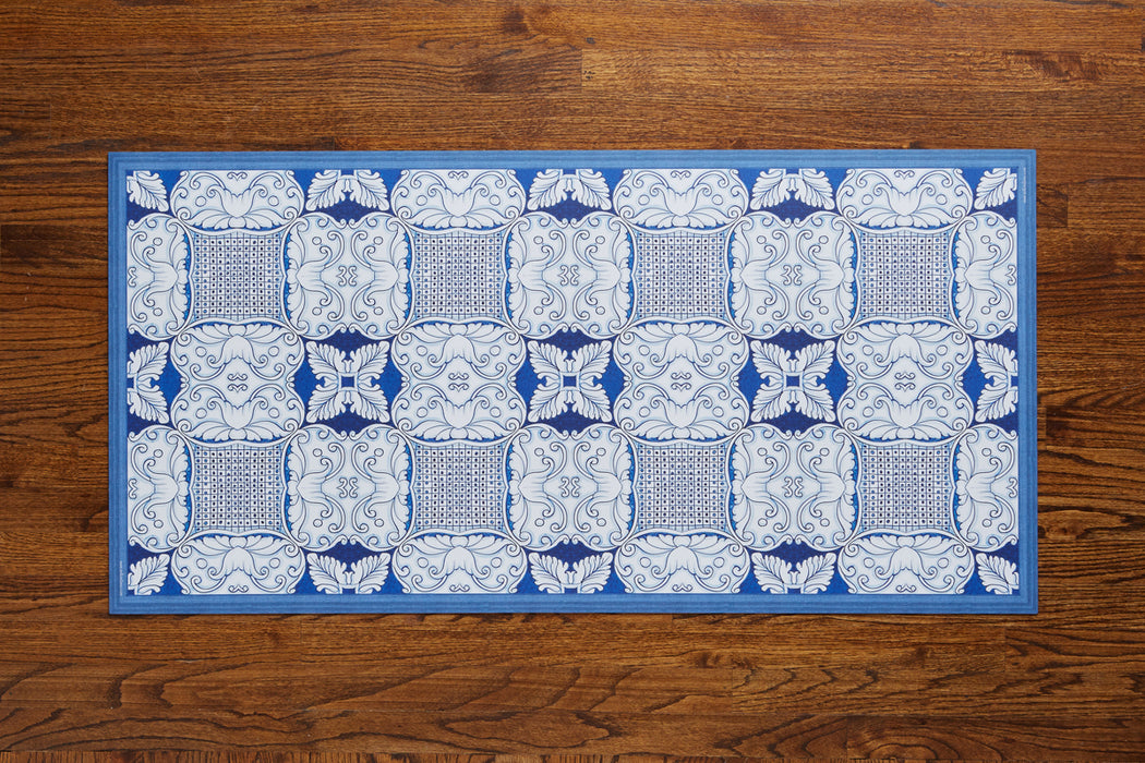 etúHOME Denim and White Caltagrione Rug, Large 2