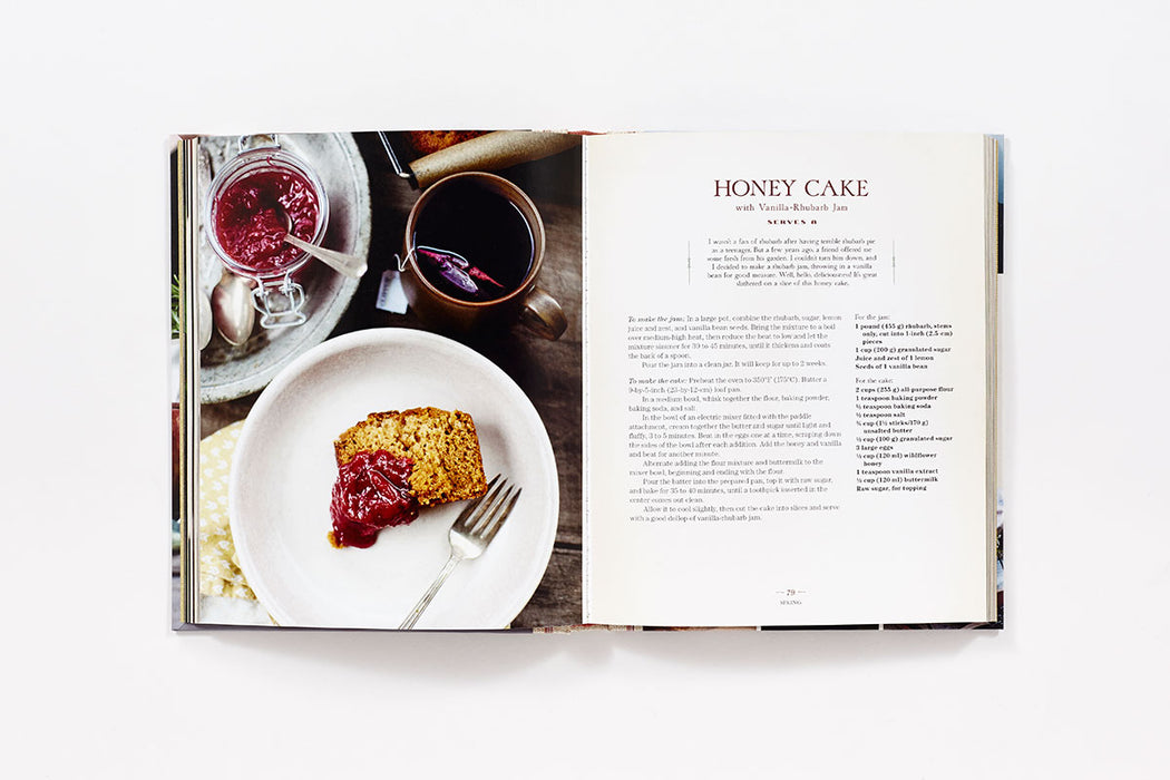 etúHOME Honey and Jam: Seasonal Baking from my Kitchen in the Mountains by Hannah Queen -6