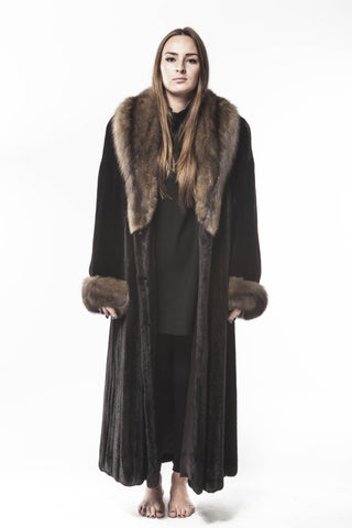 "Ranch Black ""THE Queen of..."" Mink Russian Sable Cuffs And Collar Fur Coat"