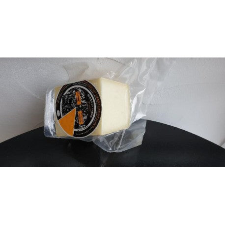 Local and Artesan Semi-cured Goats Cheese 500g