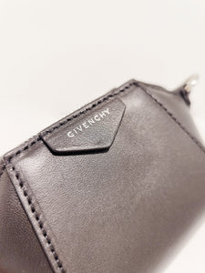 Givenchy Ant baby  black