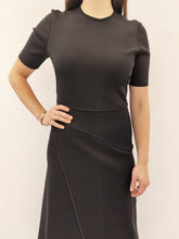 Laden Sie das Bild in den Galerie-Viewer, Kleid black