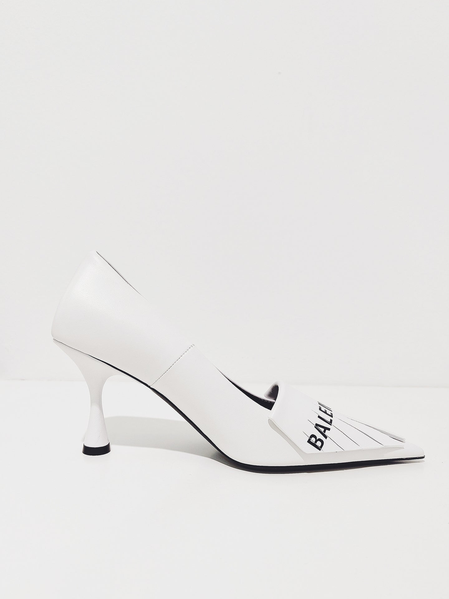 Pumps white /black
