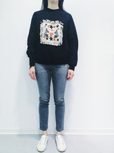 Laden Sie das Bild in den Galerie-Viewer, Sweatshirt black