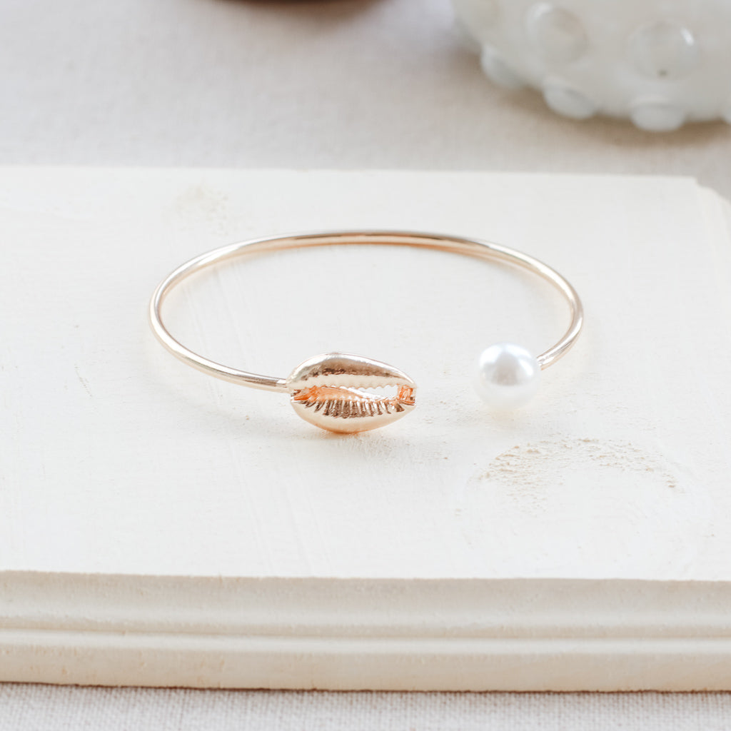 Bohemian Gold Conch Shell Bangles 2019 Summer Charm Simulated Pearl Cowrie Seashell Open Cuff Bracelets Boho Jewelry Gift