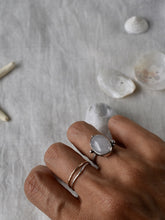 Load image into Gallery viewer, Rose quartz ring canada