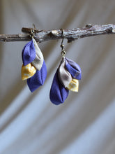 Load image into Gallery viewer, purple textile earrings