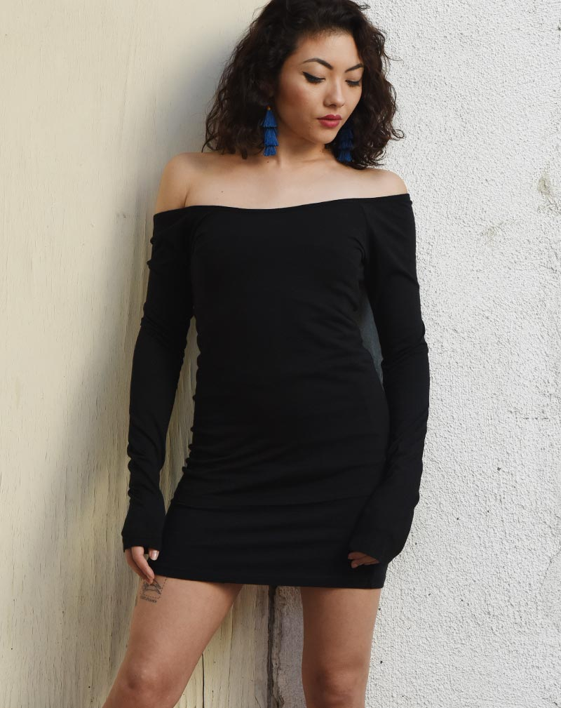 Extra Long sleeve Ballet Neck Long Sleeve Tee - Black