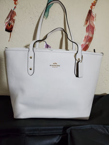 Coach city zip tote in chalk